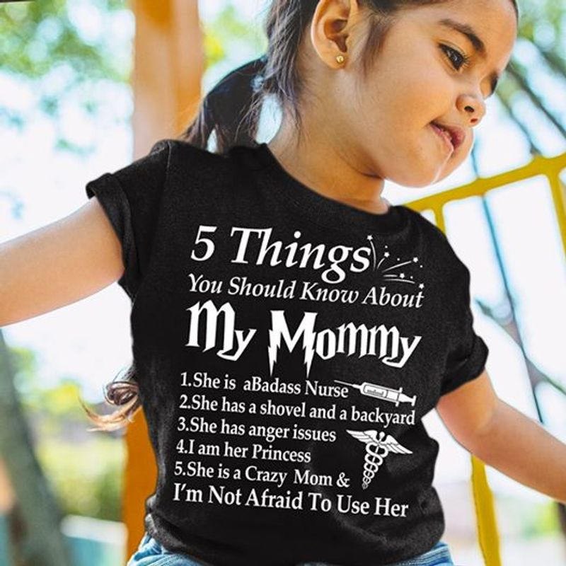 My Mama Taught Me Never Throw The First Punch But You Can Bet T-shirt Black A5