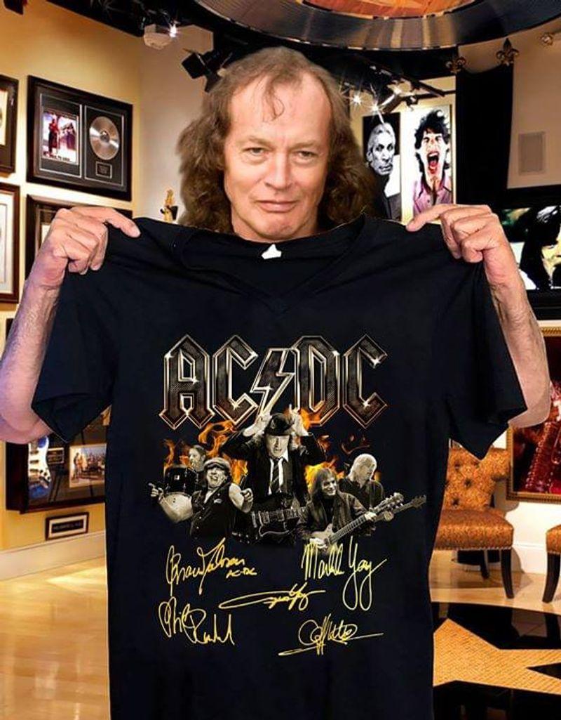 Ac/Dc Band Signatures Vintage A Great Gift Idea For Fans Black  T Shirt Men/ Woman S-6XL Cotton