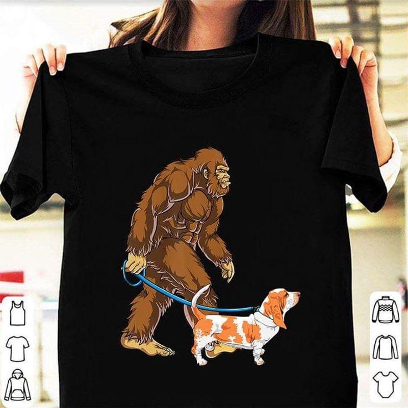 Bigfoot Sasquatch Walking Basset Black T Shirt Men/ Woman S-6XL Cotton