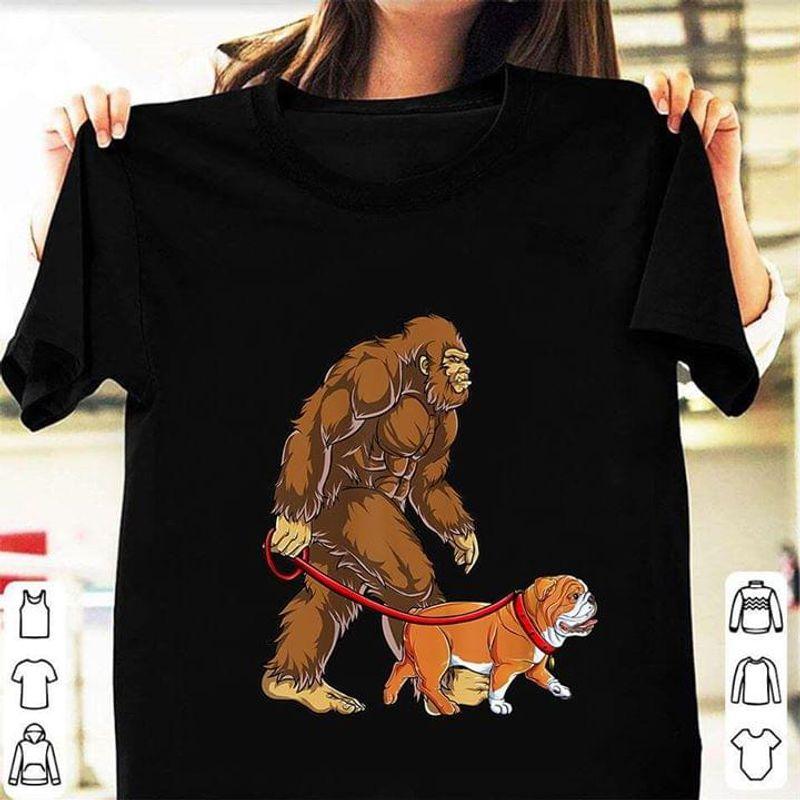 Bigfoot Sasquatch Walking English Bulldog Black T Shirt Men/ Woman S-6XL Cotton