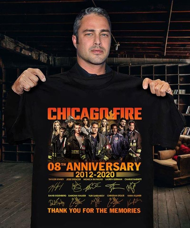 Chicago Fire 8th Anniversary Thank You For The Memories Signatures Black T Shirt Men/ Woman S-6XL Cotton