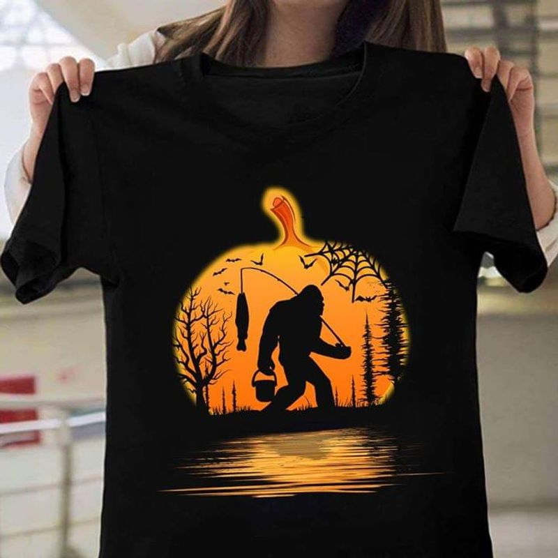 Happy Halloween Bigfoot Fishing Pumpkin T-Shirt Funny Halloween Gift Black T Shirt Men And Women S-6XL Cotton