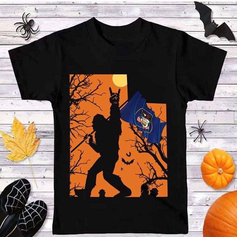 Happy Halloween Bigfoot Utah Flag Us State T Shirt Halloween Gift Black T Shirt Men And Women S-6XL Cotton