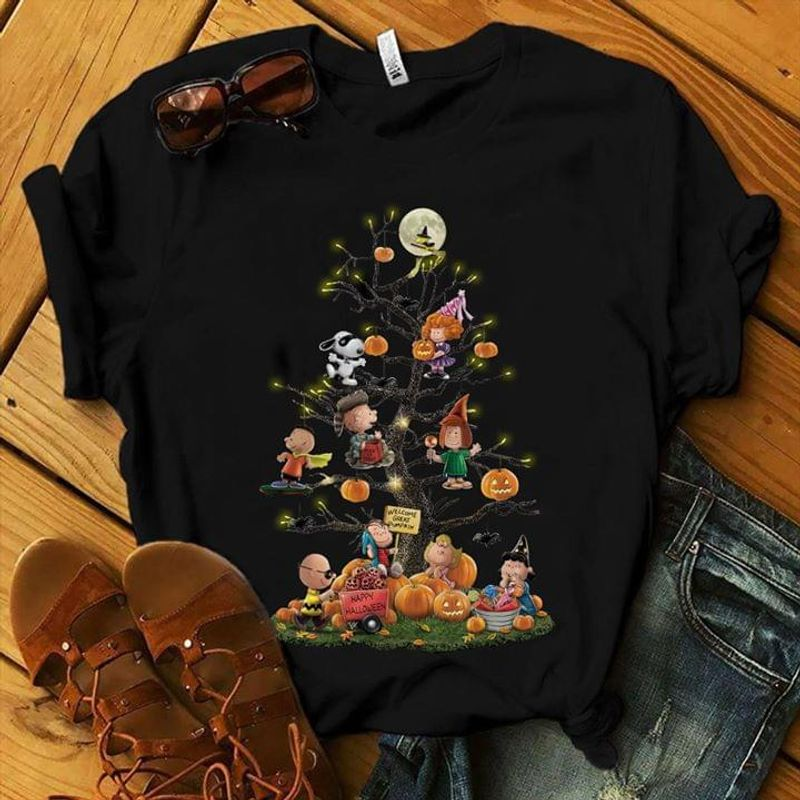 Happy Halloween Day Cute Sn00py Peanut And Friend Play On The Tree Black T Shirt Men And Women S-6XL Cotton