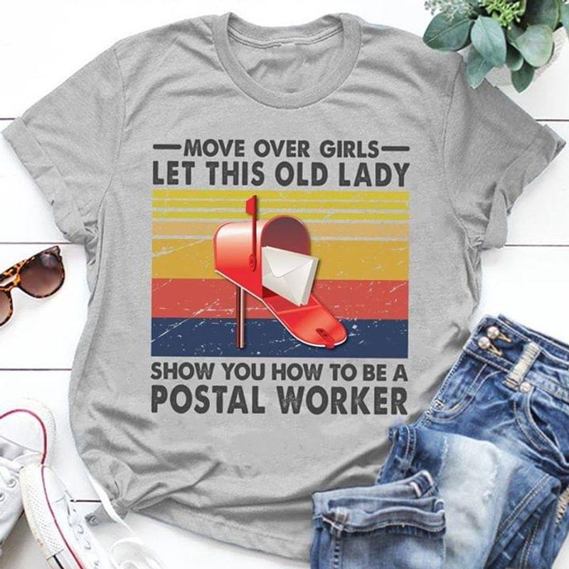 Letter Box Vintage Move Over Girls Let This Old Lady Sport Grey Sport Grey T Shirt Men And Women S-6XL Cotton