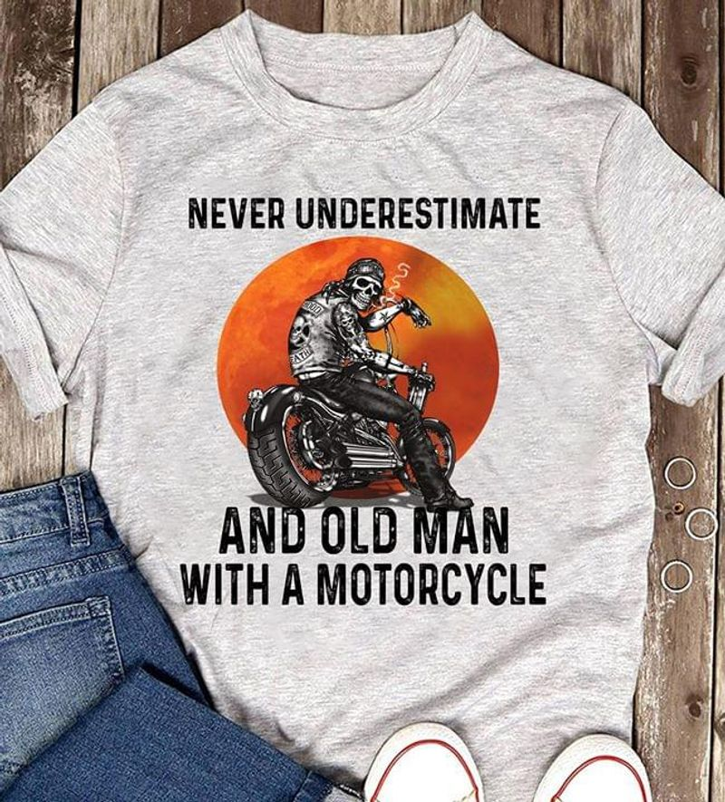 Never Underestimate And Old Man With A Motorcycle Moon Funny Heather T Shirt Men And Women S-6XL Cotton