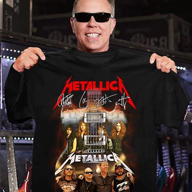 Official Guitar Metallica Signature T-Shirt Black A5