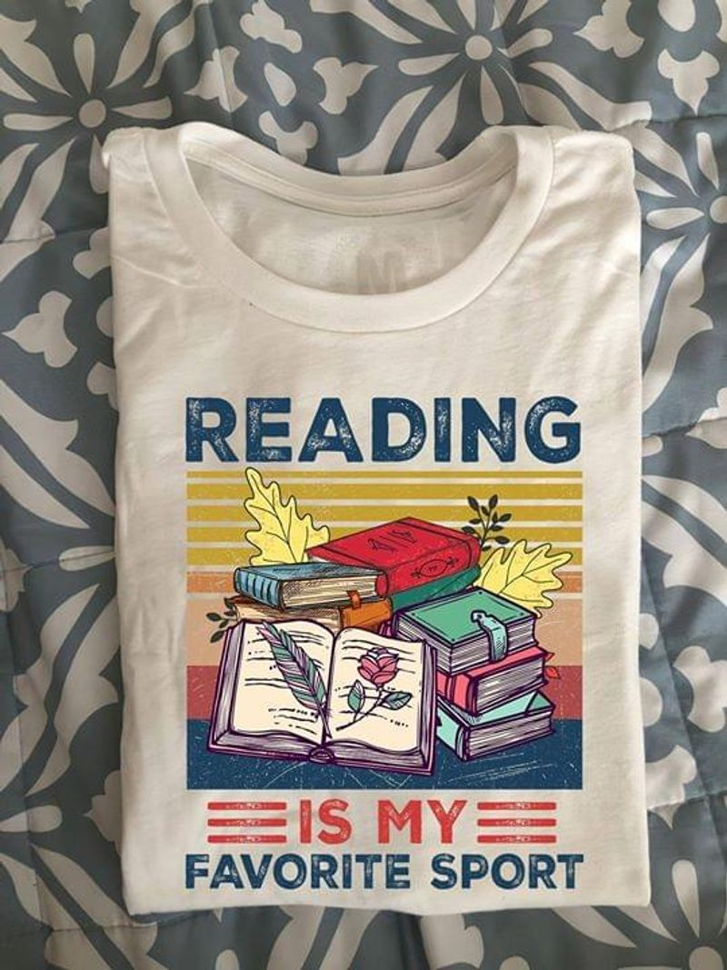 Never Underestimate An Old Lady Reading October Books & Coffee Lovers White T Shirt Men And Women S-6XL Cotton
