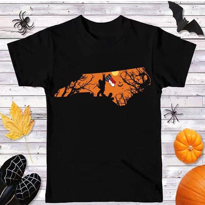Sasquatch Bat North Carolina Flag North Carolina Us State Halloween Style Black T Shirt Men And Women S-6XL Cotton