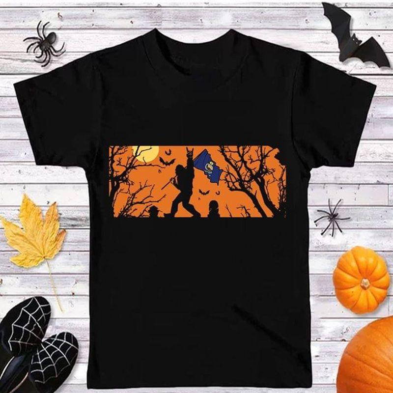 Sasquatch Bigfoot Kansas Flag Kansas Us State Black Halloween Style Black T Shirt Men And Women S-6XL Cotton