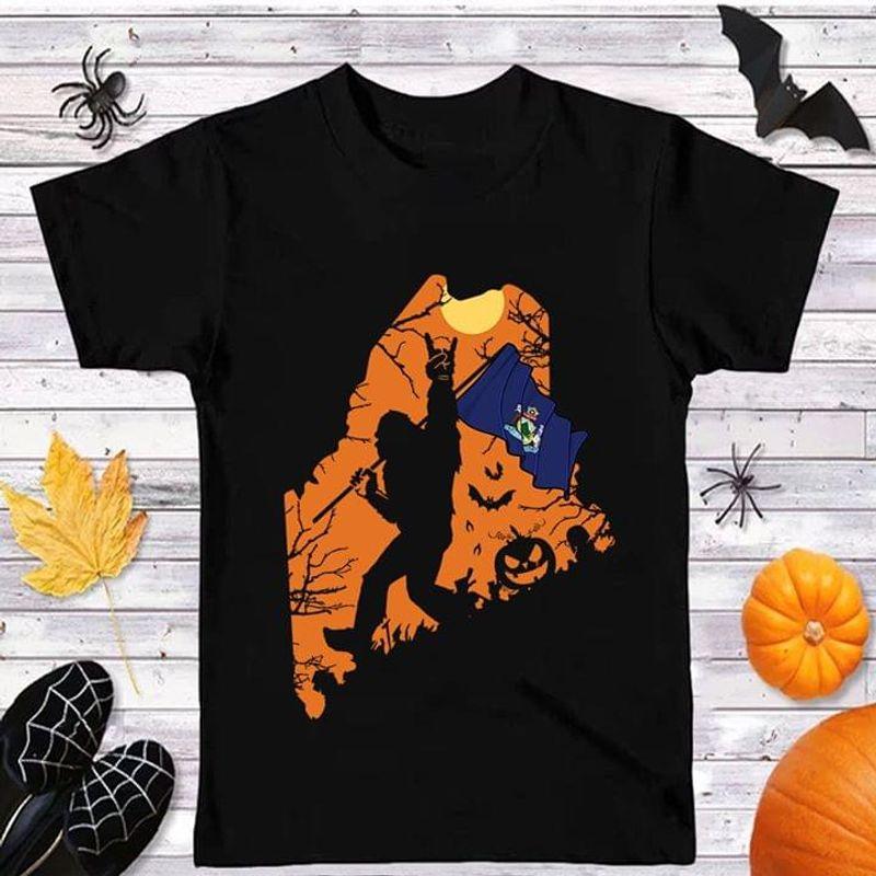Sasquatch Bigfoot Maine Flag Maine Us State Halloween Black T Shirt Men And Women S-6XL Cotton