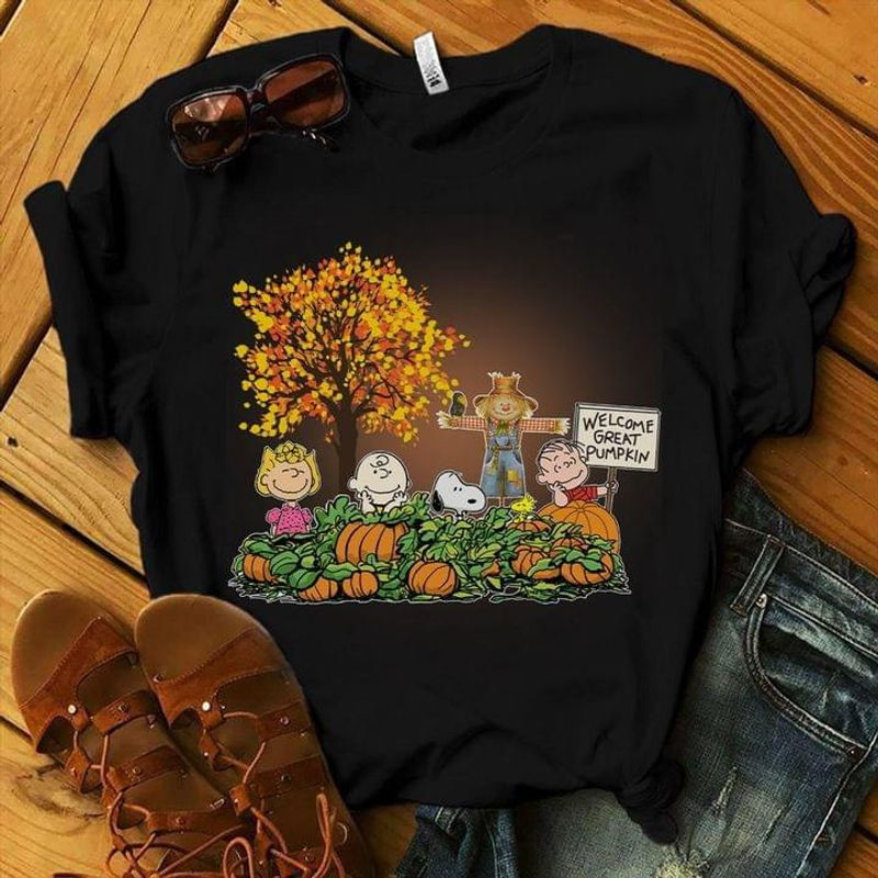 Snoopy And Friends Peanuts Autumn Shirt Welcome Great Pumpkin Halloween Gift Idea Black T Shirt Men And Women S-6XL Cotton